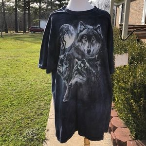 The Mountain Men's Navy Blue Wolf Print T-Shirt